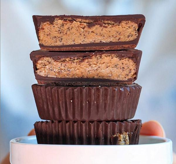 nyttiga chocolate cups med jordnötssmör
